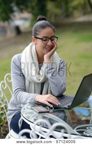 Colombian Business Woman working outdoor