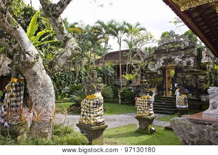 Around The Ubud Palace Garden