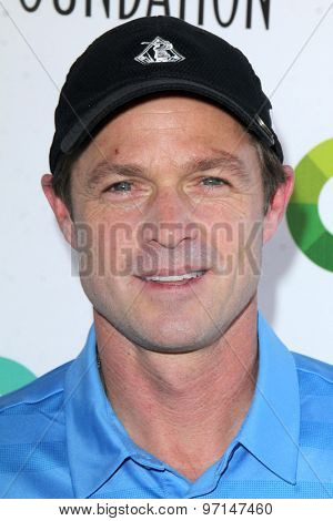 LOS ANGELES - JUN 8:  Eric Close at the SAG Foundations 30TH Anniversary LA Golf Classi at the Lakeside Golf Club on June 8, 2015 in Toluca Lake, CA