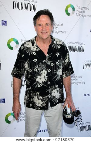 LOS ANGELES - JUN 8:  Robert Hays at the SAG FoundationÃ?s 30TH Anniversary LA Golf Classi at the Lakeside Golf Club on June 8, 2015 in Toluca Lake, CA