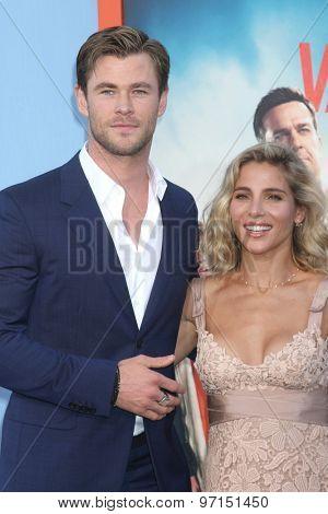 LOS ANGELES - JUL 27:  Chris Hemsworth, Elsa Pataky at the