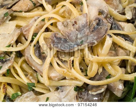 Pasta Collection - Linguini With Mushrooms