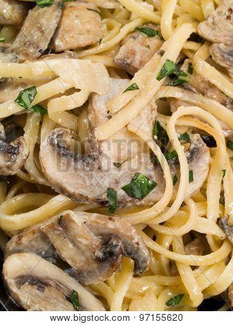 Linguini With Mushrooms