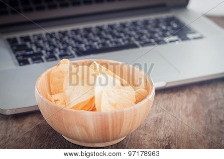 Crispy Potato Chips On Wotk Station