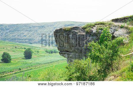 Huge rocky ledge