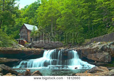 Babcock Waterfalls & Mill