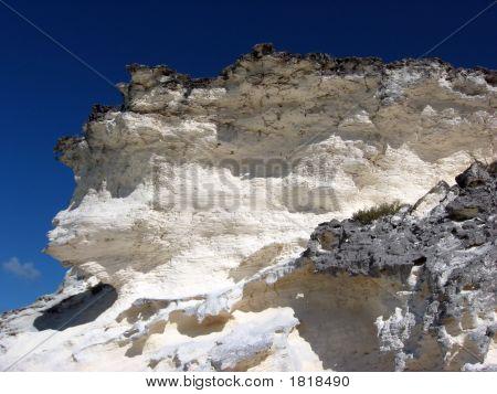 Acantilado de piedra caliza blanca