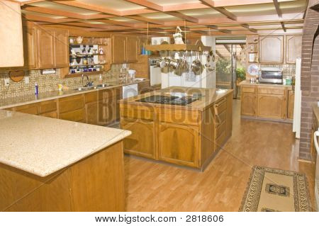 Large Country Kitchen