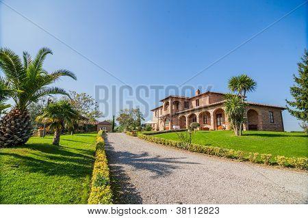 Tuscan landhouse / villa