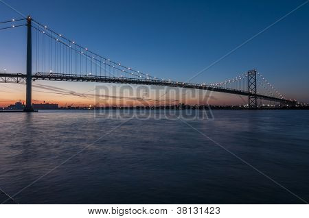 Windsor ontario ambassador bridge