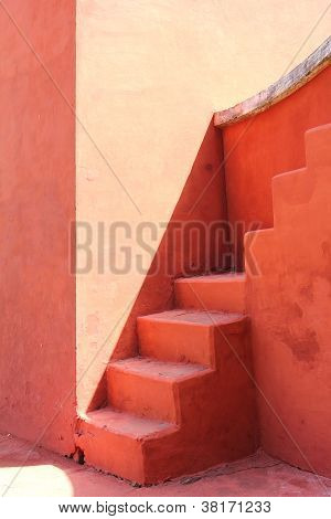 red walls and stairs, delhi