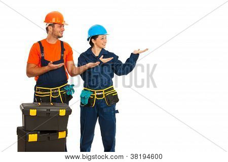 Constructors Making Presentation