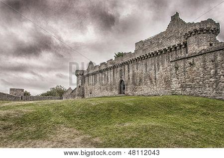 Castelo de Craigmillar 01