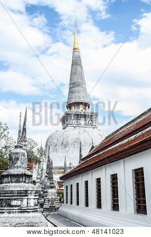 pagoda at wat phra mahathat nakhon si thammarat thailand