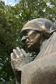 picture of macedonia  - statue of mother teresa in skopje - JPG