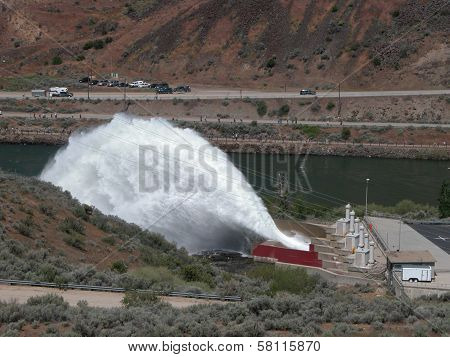 Flip-Bucket Spillway, Idaho