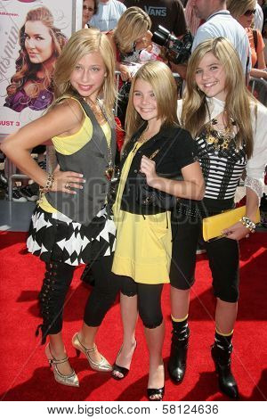 Clique Girlz at the Los Angeles premiere of