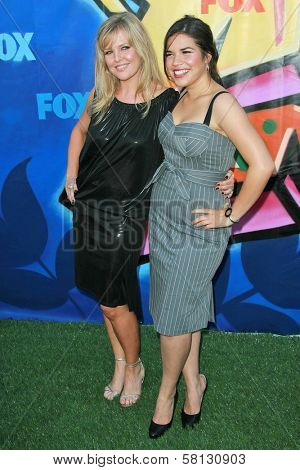 Ashley Jensen and America Ferrera at the 2007 Teen Choice Awards. Gibson Amphitheater, Universal City, CA. 08-26-07