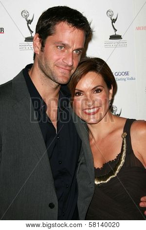 Peter Hermann and Mariska Hargitay at the 59th Annual Emmy Awards Nominee Reception. Pacific Design Center, Los Angeles, CA. 09-14-07