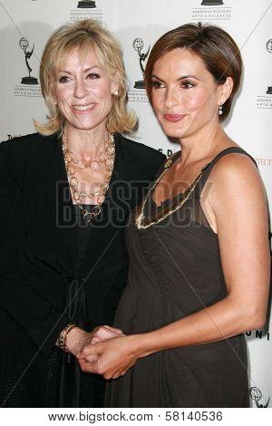 Judith Light and Mariska Hargitay at the 59th Annual Emmy Awards Nominee Reception. Pacific Design Center, Los Angeles, CA. 09-14-07