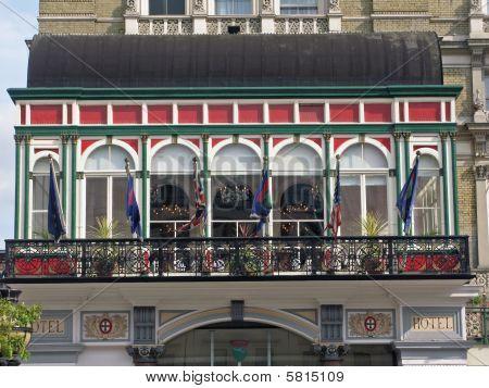 London luxurous hotel