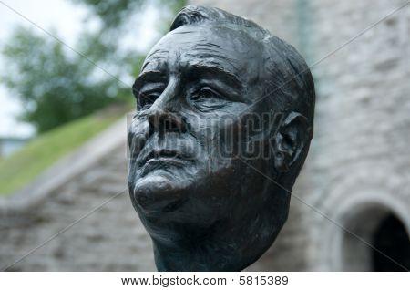 Franklin Delano Roosevelt Statue