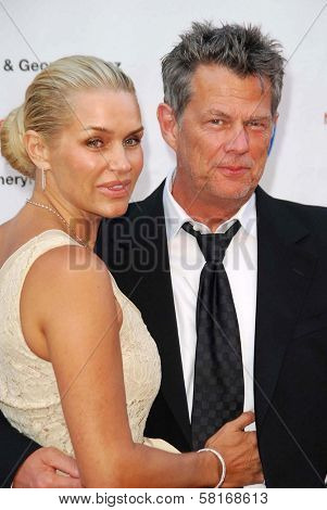 Yolanda Hadid and David Foster at The 28th Annual Gift Of Life Tribute Celebration by the National Kidney Foundation of Southern California. Warner Bros. Studios, Burbank, CA. 04-29-07