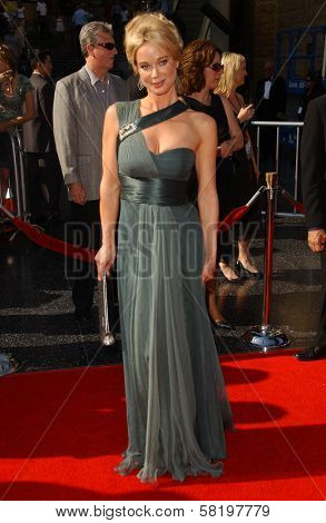 Jennifer Gareis at the 34th Annual Daytime Emmy Awards. Kodak Theater, Hollywood, CA. 06-15-07