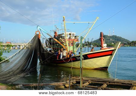 Fishermen are gearing tool to sea