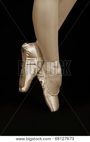 A Ballet Dancer Standing On Toes While Dancing Artistic Conversion