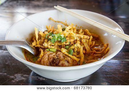 Khao Soi, Northern Thai Noodle Curry Soup