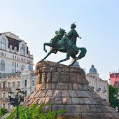 picture of hetman  - Monument to hetman of Ukraine Bogdan Khmelnitsky on Sofia square in Kiev - JPG