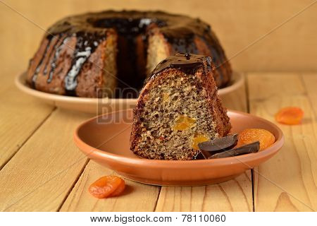 Banana fruitcake with dried apricots