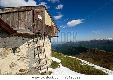Alpine Hut With View
