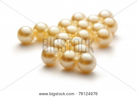 Scattering White Pearls