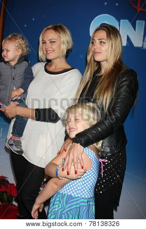 LOS ANGELES - DEC 11:  Malin Akerman, Sebastian, sister, niece at the