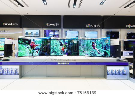 DUBAI - OCTOBER 15: gadgets and electronics devices shop in the Dubai Mall on October 15, 2014 in Dubai, UAE. The Dubai Mall it is part of Downtown Dubai complex, and includes 1,200 shops.