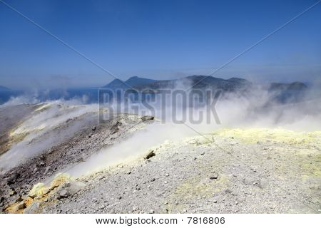 Vulcano Volcano Crater