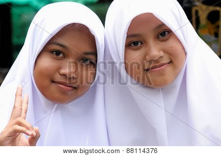 People From Indonesia,  Muslim Girls