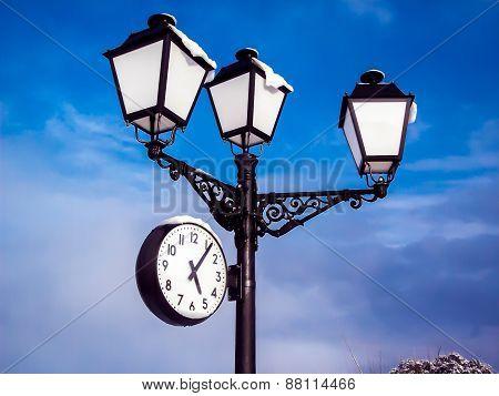 Streetlight With Clock