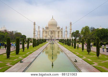 Front view of the Taj Mahal