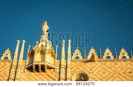 statue venice san marco