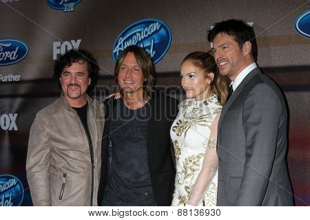 LOS ANGELES - MAR 11:  Scott Borchetta, Keith Urban, Jennifer Lopez, Harry Connick Jr. at the