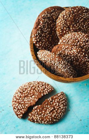Healthy Chocolate Crispy Cookies With Sesame