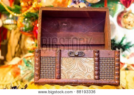 Christmas Box Chest
