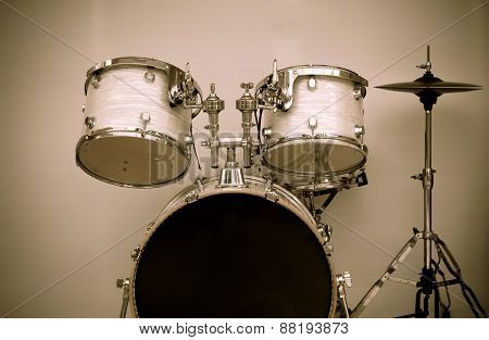 Drum Set Vintage Isolate Background