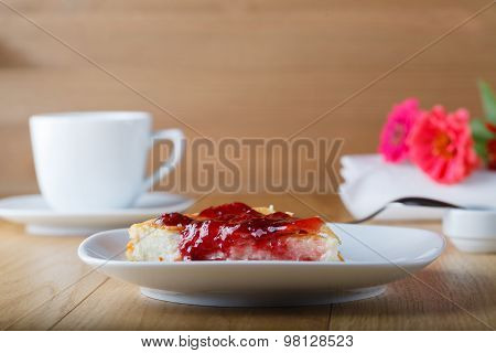 Cottage Cheese Casserole With Raspberry Jam