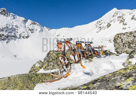 Crampons Semi-automatic  And Basket