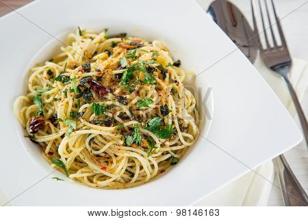 Italian pasta aglio olio