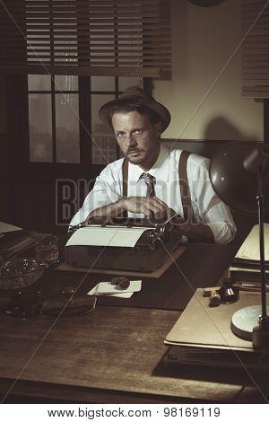 1950S Reporter Posing